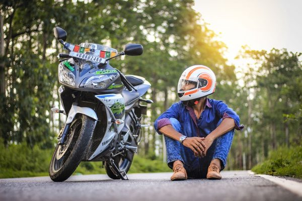 Get to know Why Your Back Hurts While Riding Motorcycle and How To Avoid It